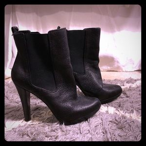 MICHAEL Michael Kors Jessie Booties - Size 7